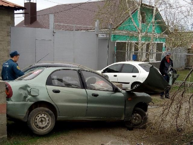 В Челябинской области водитель погиб после столкновения с деревом