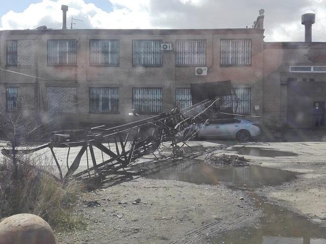 Рекламный щит рухнул вЧелябинске
