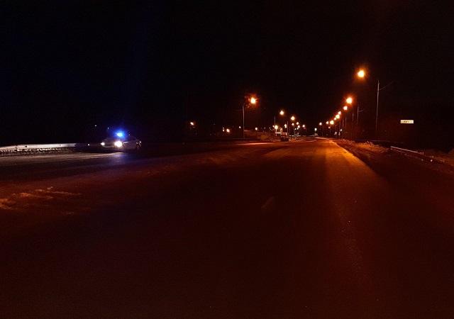 На Южном Урале водитель легковушки и две его несовершеннолетние пассажирки упали с моста в реку