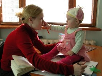 Молодым мамам на подготовительных отделениях вузов дадут стипендию. Очникам - по 2000 рублей