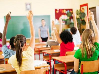 Учебой не перегружены: наши дети ходят в школу реже сверстников из других стран