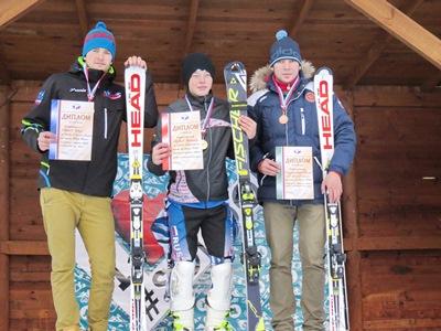 В «Солнечной долине» питерские горнолыжники вновь стали лидерами в спецслаломе