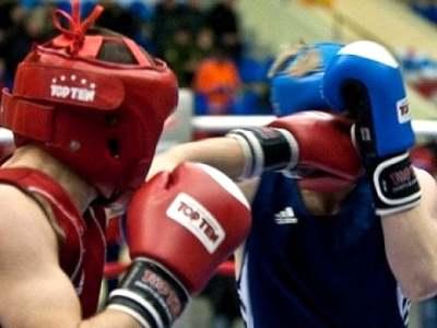 В Миассе боксеры со всей области бились за звание Короля ринга