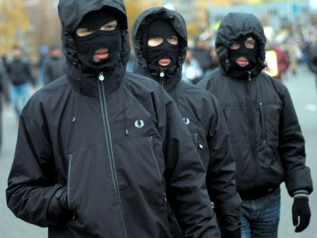 заказ фото группы пацанов в масках попка изящна подтянута
