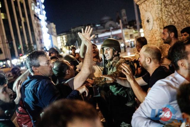Турция: угроза переворота еще не миновала