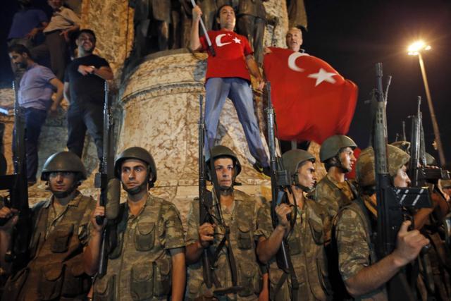 Путин позаботился: туристы вернутся домой из Турции