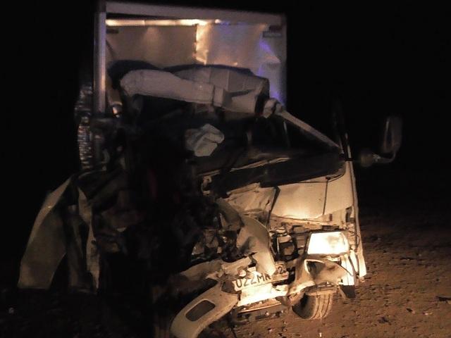ВАшинском районе при столкновении с фургоном умер шофёр иномарки
