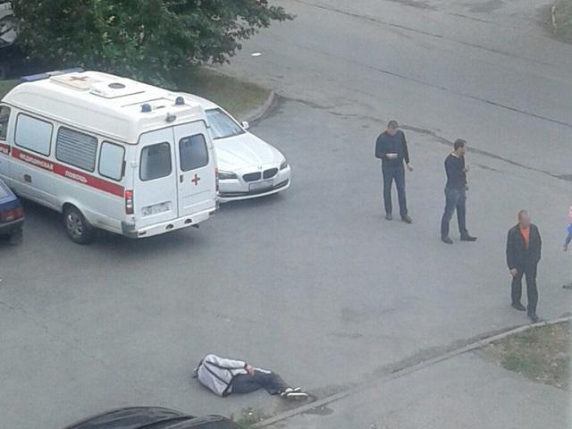 Истекающего кровью мужчину обнаружили наодной изулиц вЧелябинске