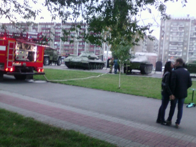 ВСаду Победы вЧелябинске зажегся танк