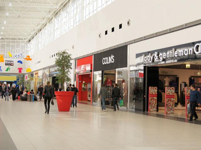 Ретейлеры посоветовали уменьшить время работы торговых центров
