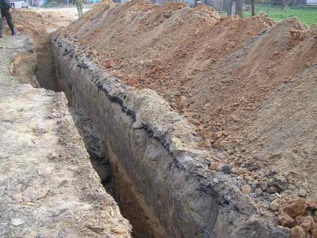 ВЧелябинской области работников водоканала засыпало землей втраншее, два человека пострадали