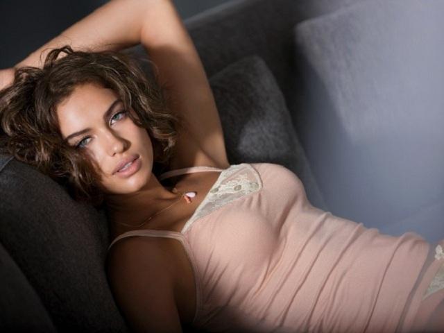 Maxim: ТОП-100 самых половых русских женщин