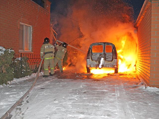 В Троицке сгорел автомобиль