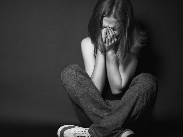 Совершеннолетний парень изОктябрьского района схвачен зарастление 13-летней девушки