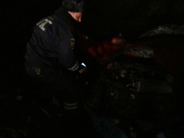 Втройном ДТП погибли четверо. Наместе трагедии отыскали пустые бутылки водки