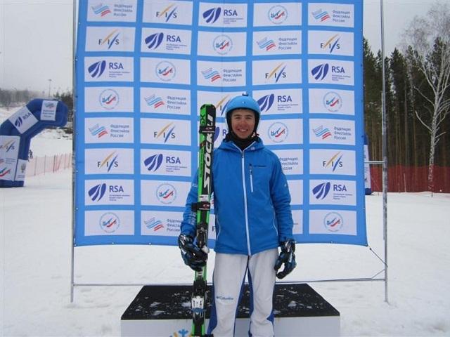 Ашинец Игорь Омелин завоевал золото вски-кроссе наКубке Российской Федерации