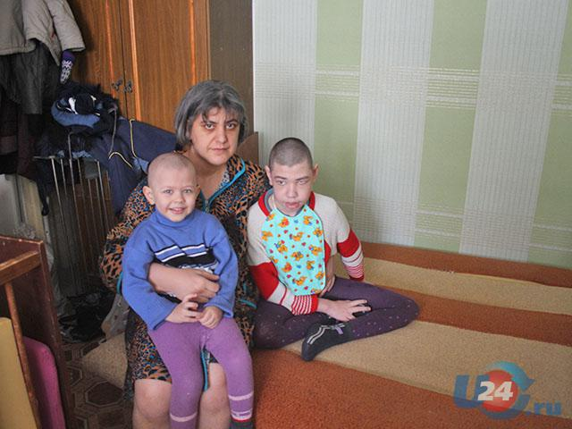 Жительнице Троицка, воспитывающей ребенка с ДЦП, требуется помощь
