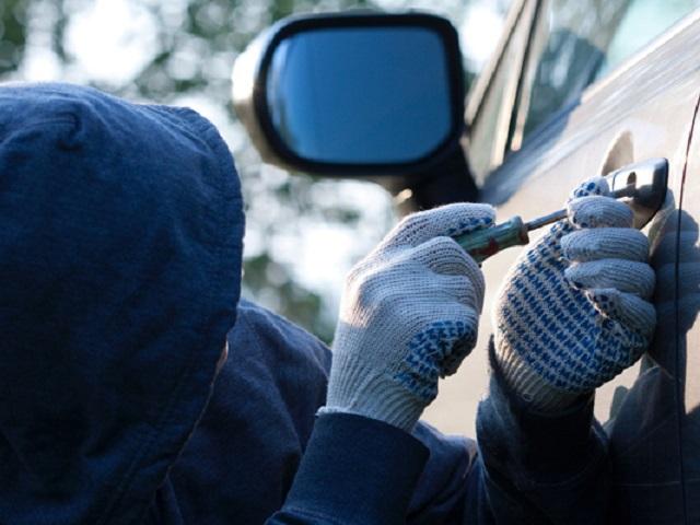 Молодой челябинец установил напоток кражи и реализацию на детали легковых авто