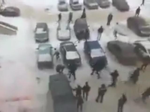 Полицейские пытаются выяснить обстоятельства массовой потасовки вЧелябинске