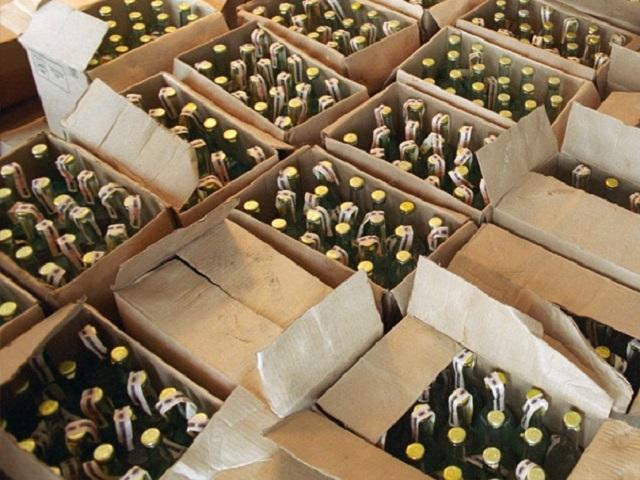 Учелябинского бизнесмена изъяли неменее 2 тыс. коробок паленого алкоголя