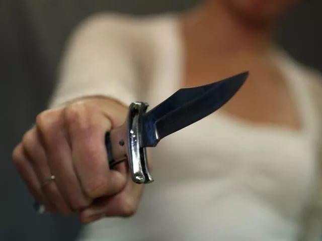 Пырнула ножом жениха! гражданин Златоуста лишился жизни насобственной свадьбе