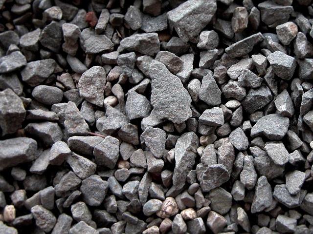 Экс-руководителя завода бетонных конструкций осудили засмерть рабочего под щебнем