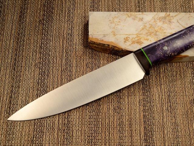 Суд отпустил насвободу челябинку, исполосовавшую сожителя ножом