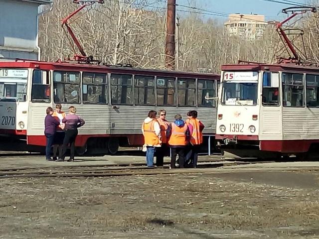 Челябинские трамваи встали из-за плохого самочувствия пассажира
