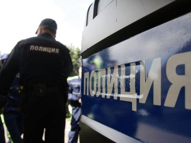 Мужчина вмаске исножом напал напродавца вЮжноуральске