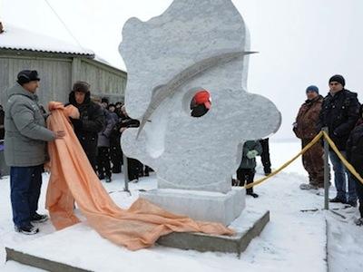 В Чебаркуле установили стелу в честь метеорита и провели фестиваль фейерверков