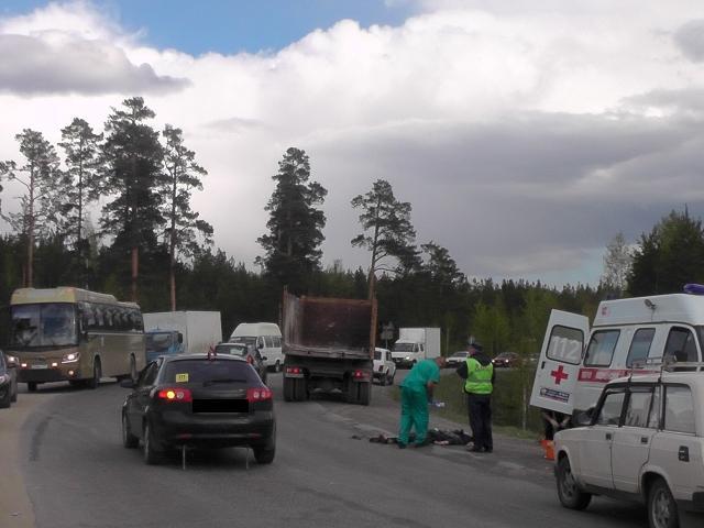 Фото: в Кыштыме грузовик задним ходом сбил 71-летнюю пенсионерку