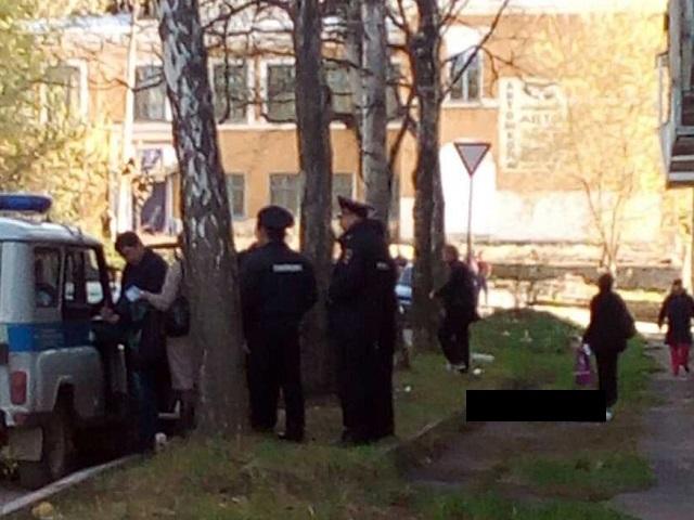 ВЗлатоусте 8-летняя девочка погибла, упав с4 этажа