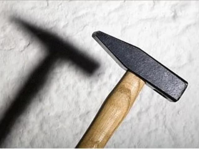 Дело челябинца, убившего родителей молотком, направлено всуд
