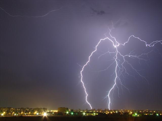 Челябинской области снова обещают дожди, грозы иветер— Недолго солнышко сияло