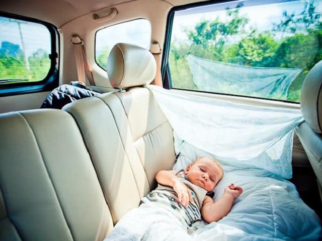 Детей до7 лет сейчас можно перевозить вавтомобиле только вавтокреслах