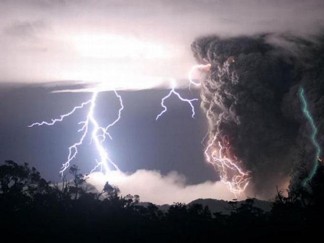 Штормовое предупреждение объявило МЧС вчетырёх областях  Сибири