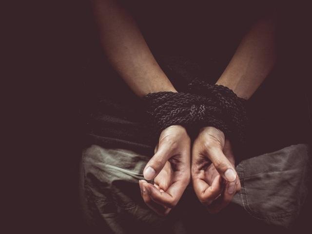 Южноуральский школьник вместе сприятелями похитил свидетеля поуголовному делу
