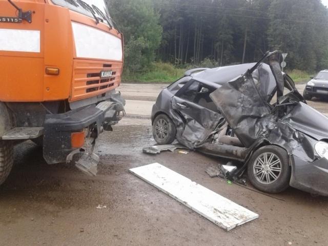 Саратовец наКамАЗе попал вавтокатастрофу вЧелябинской области