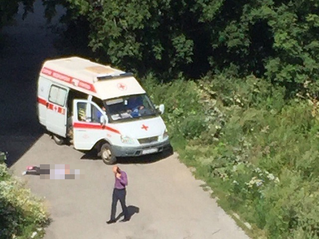Под окнами многоэтажки наГагарина вЧелябинске отыскали труп молодой девушки