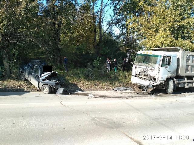 ВМиассе шофёр  ВАЗа устроил тройное ДТП и умер