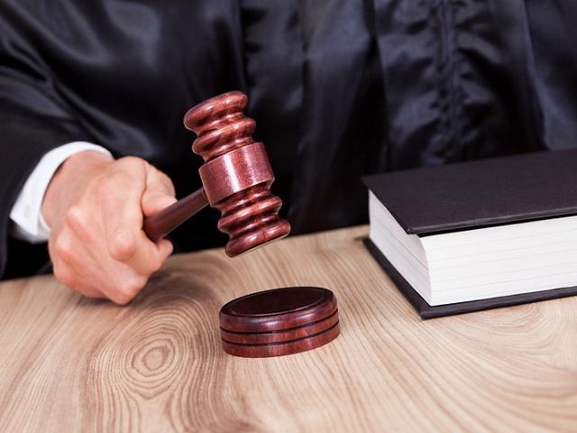 ВЗлатоусте работницу ЖКХ осудили засмерть женщины отаварийного дерева