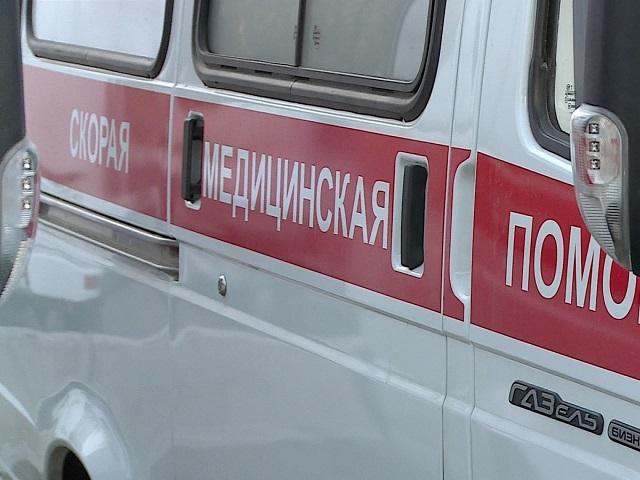 Автоледи на Лэнд-Ровер сбила коляску напереходе вЧелябинске
