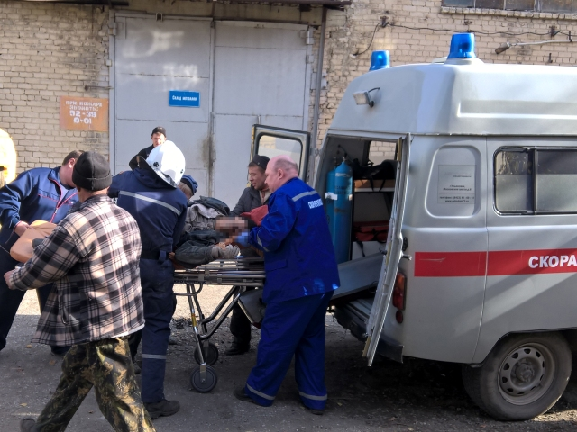 Намиасском заводе рабочий оказался под грудой газобетона  ижелеза
