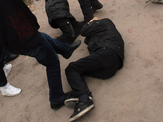 ВЧелябинске неизвестные проломили голову 16-летнему подростку