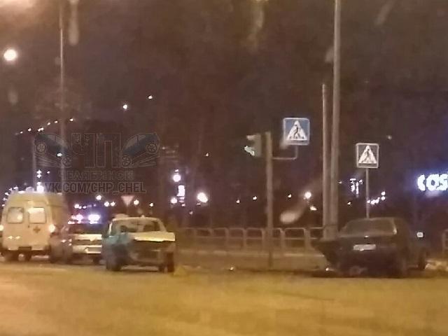 Пассажирка ВАЗа достаточно серьезно пострадала вДТП вЧелябинске