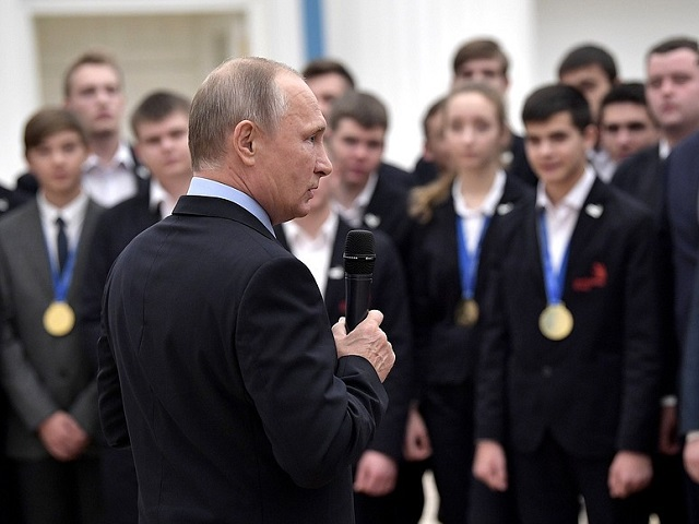 Российская Федерация поэтапно уходит отслужбы попризыву, объявил Путин