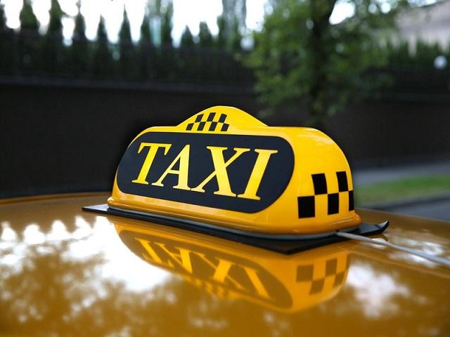 Недовольный клиент выстрелил таксисту влицо
