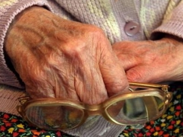 Вселе Кулуево трое преступников изнасиловали 67-летнюю пенсионерку