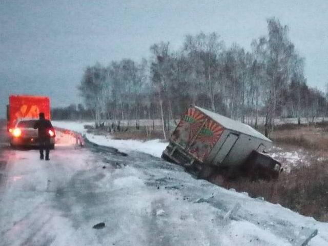 Пассажирка легковушки невыжила при столкновении с грузовым автомобилем вКрасноармейском районе