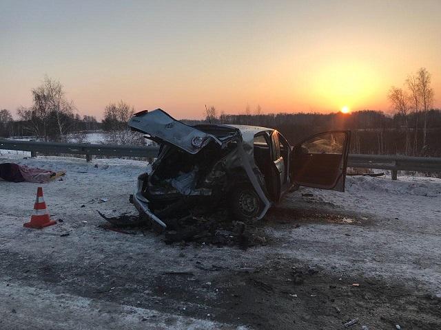 Пассажирка погибла в лобовом столкновении иномарок в Челябинской области
